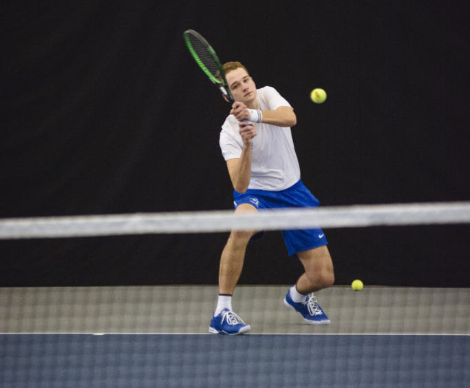Tennis swept by Grand Valley Lakers and Ferris State Bulldogs