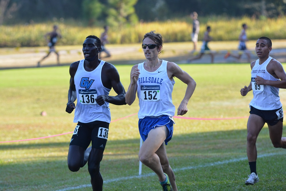 Junior Tony Wondaal races neck-and-neck with a runner from Grand Valley State University during the 2016 NCAA Division II National meet. (Photo: Elizabeth Eads/Courtesy)
